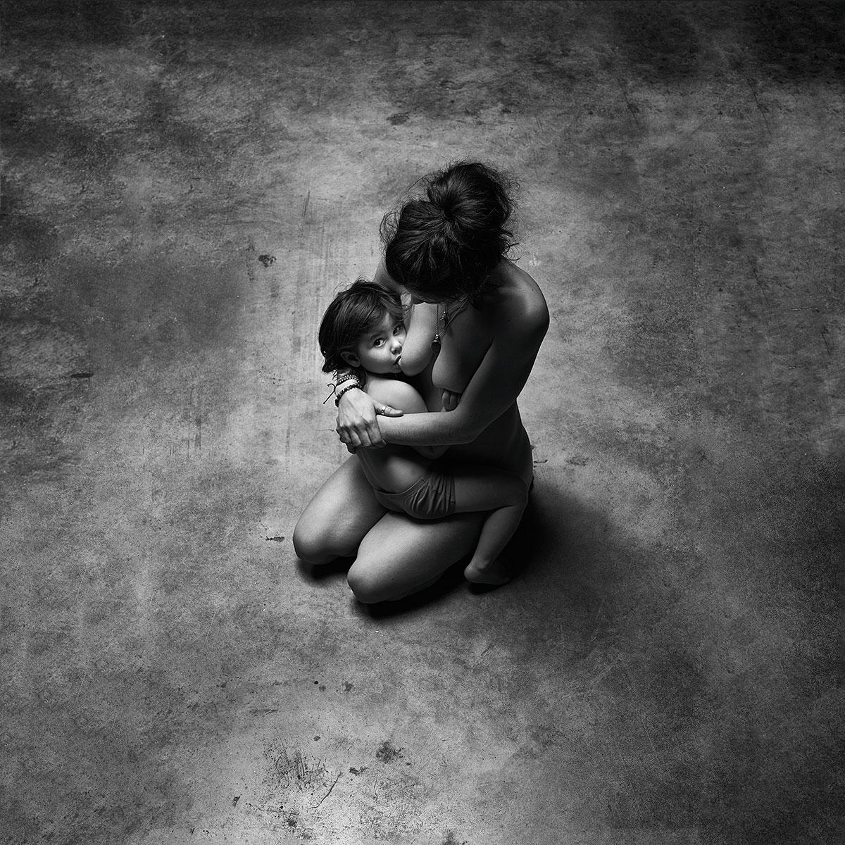 Rhéa ShirUdo photographe maternage proximal en Normandie